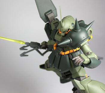 銃サーベル飛行拡大2.jpg